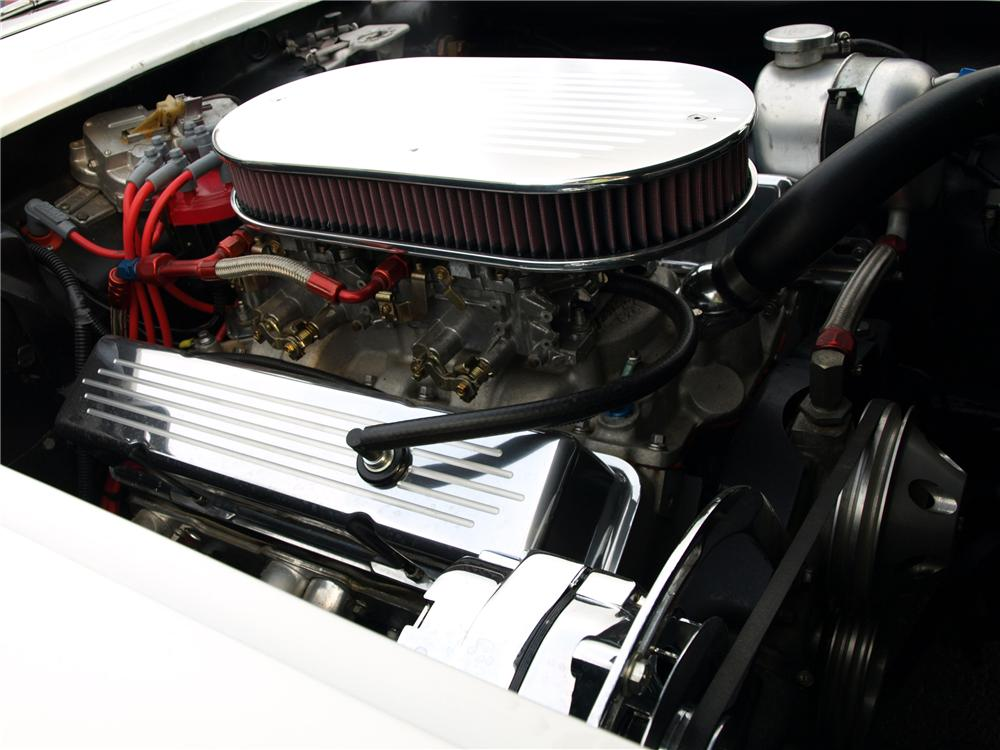 1961 CHEVROLET CORVETTE CUSTOM CONVERTIBLE - Engine - 112689
