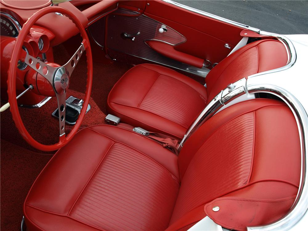 1961 CHEVROLET CORVETTE CUSTOM CONVERTIBLE - Interior - 112689