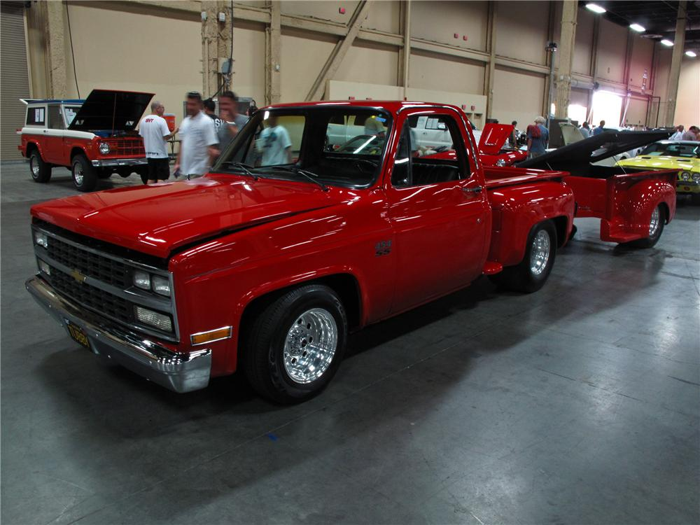 1987 CHEVROLET CUSTOM PICKUP - Front 3/4 - 112695