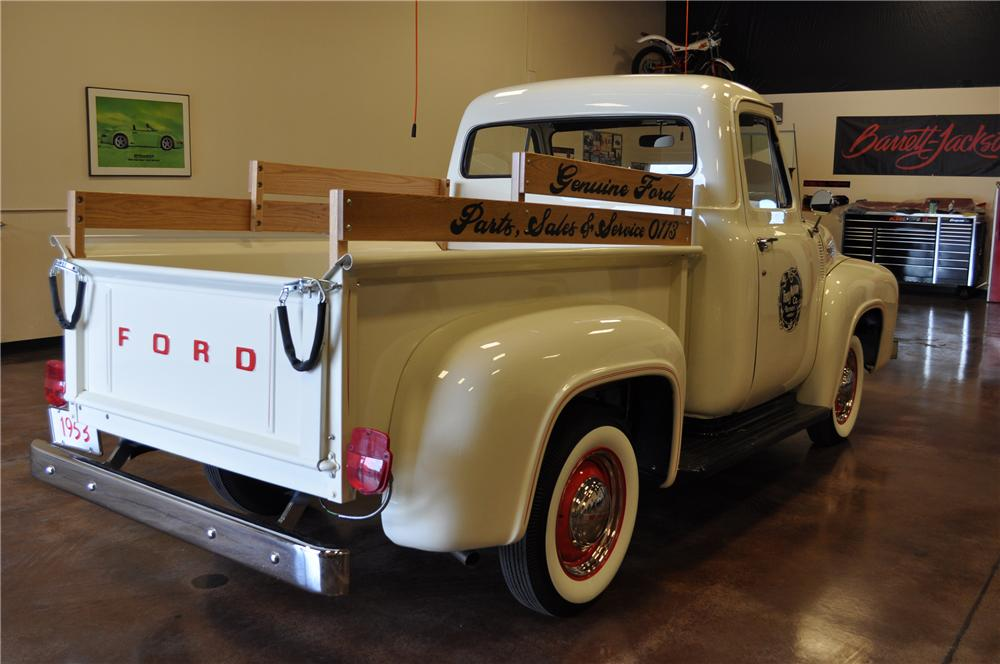 1953 FORD F-100 PICKUP - Rear 3/4 - 112705