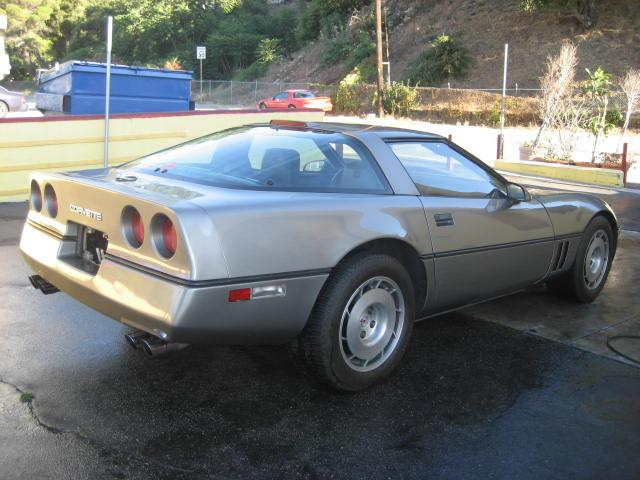 1986 CHEVROLET CORVETTE COUPE - Rear 3/4 - 112720