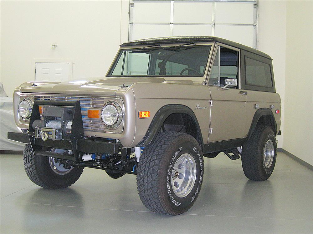 1974 FORD BRONCO CUSTOM 4X4 SUV - Front 3/4 - 112726