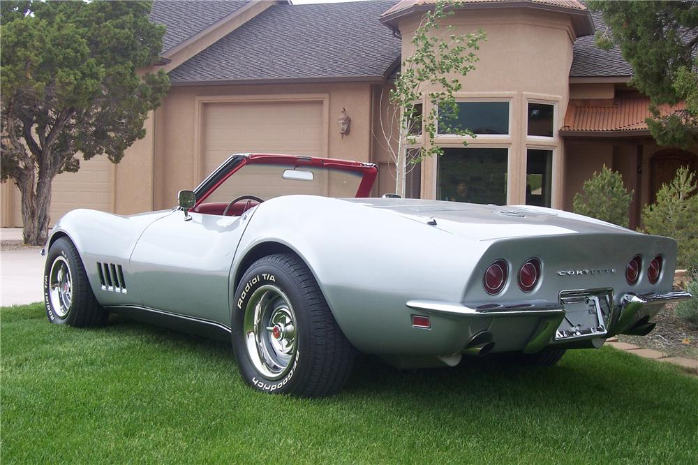 1968 CHEVROLET CORVETTE CONVERTIBLE - Rear 3/4 - 112741