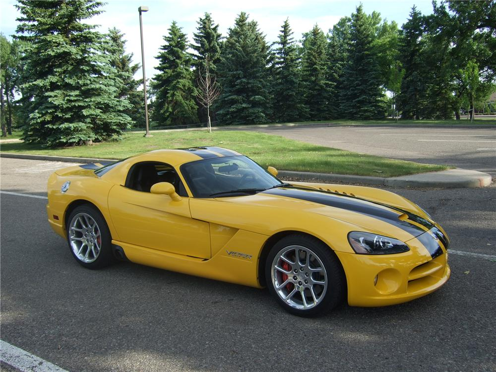 2006 DODGE VIPER COUPE - Front 3/4 - 112746
