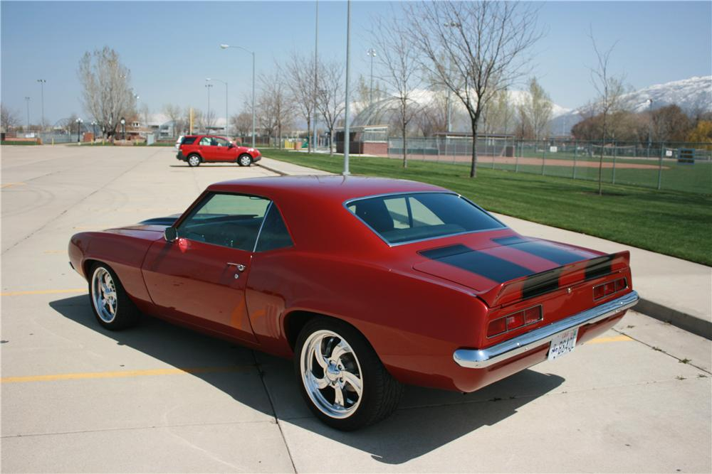 1969 CHEVROLET CAMARO CUSTOM 2 DOOR COUPE - Rear 3/4 - 112764