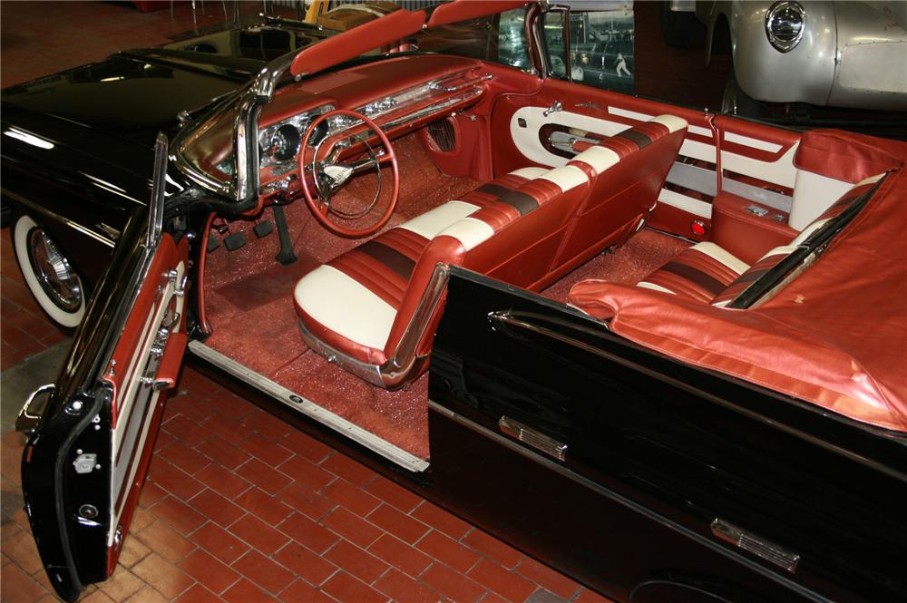 1959 PONTIAC BONNEVILLE CONVERTIBLE - Engine - 112769