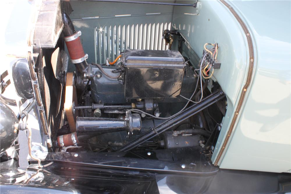 1927 FORD MODEL T COUPE - Engine - 112784