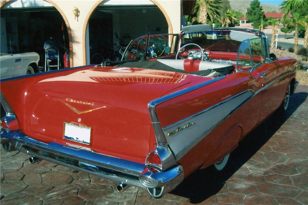 1957 CHEVROLET BEL AIR CUSTOM CONVERTIBLE - Rear 3/4 - 112790