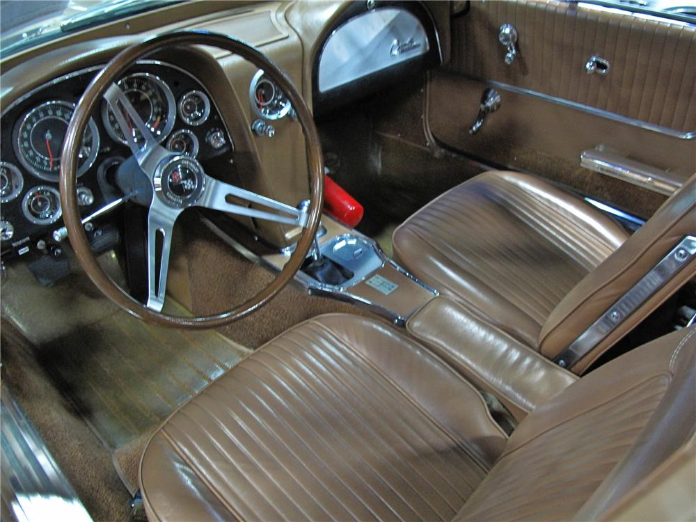 1964 CHEVROLET CORVETTE COUPE - Interior - 112796