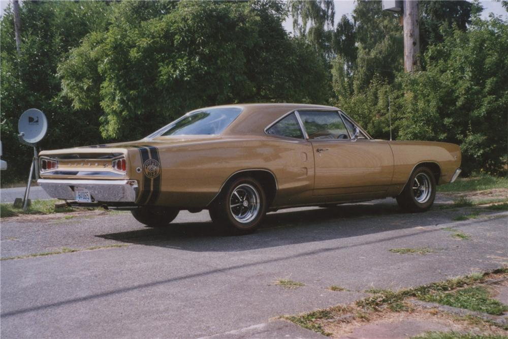 1968 DODGE SUPER BEE 2 DOOR COUPE - Rear 3/4 - 112803