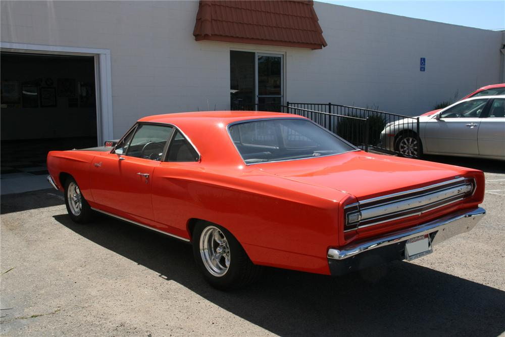 1968 PLYMOUTH ROAD RUNNER CUSTOM 2 DOOR - Rear 3/4 - 112813