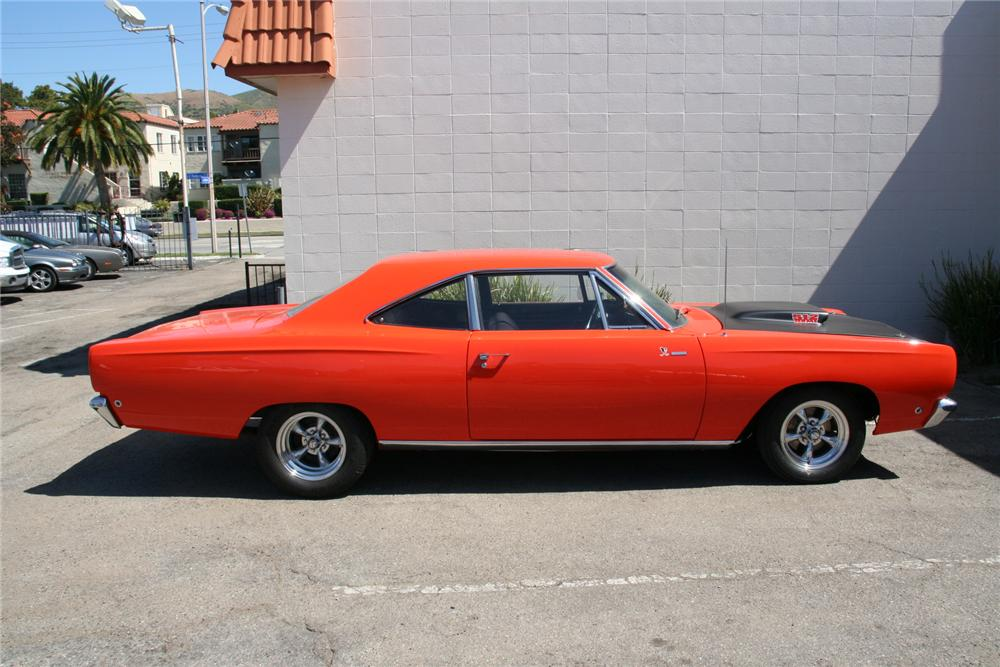 1968 PLYMOUTH ROAD RUNNER CUSTOM 2 DOOR - Side Profile - 112813