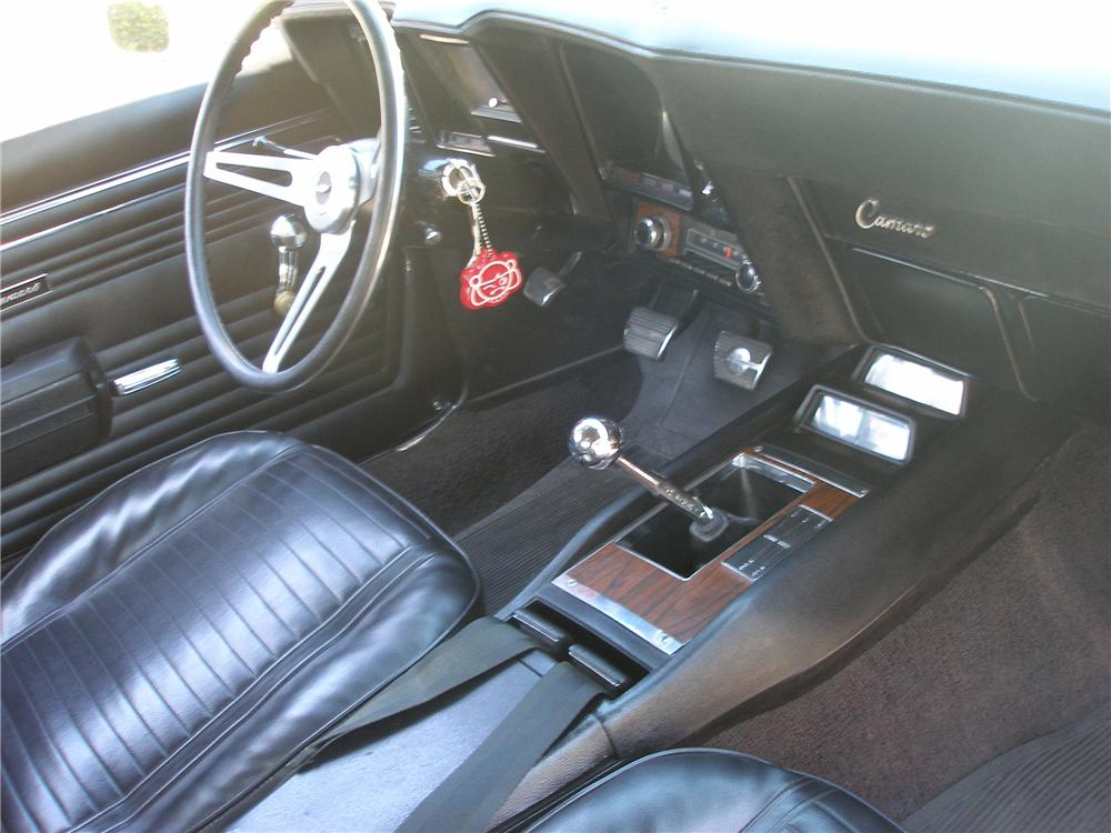 1969 CHEVROLET CAMARO COUPE - Interior - 112814