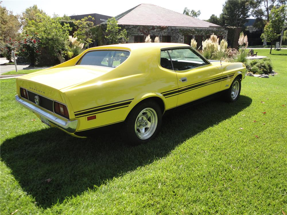 1971 FORD MUSTANG COUPE - Rear 3/4 - 112817