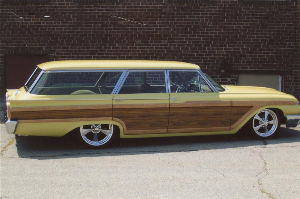 1961 FORD COUNTRY SQUIRE CUSTOM WAGON - Side Profile - 112829