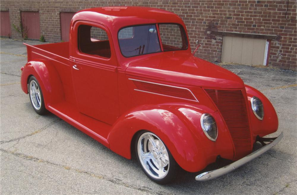 1937 FORD CUSTOM PICKUP - Front 3/4 - 112830
