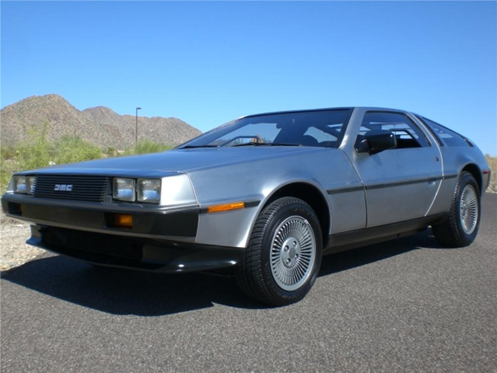 1982 DELOREAN DMC-12 GULLWING - Front 3/4 - 112831