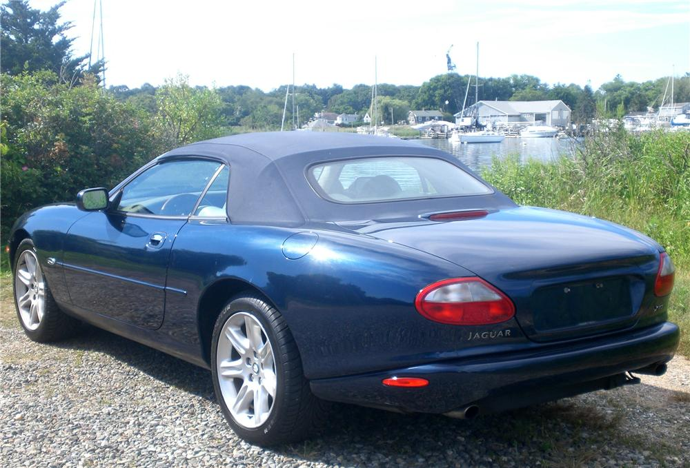 2000 JAGUAR XK 8 CONVERTIBLE - Rear 3/4 - 112833