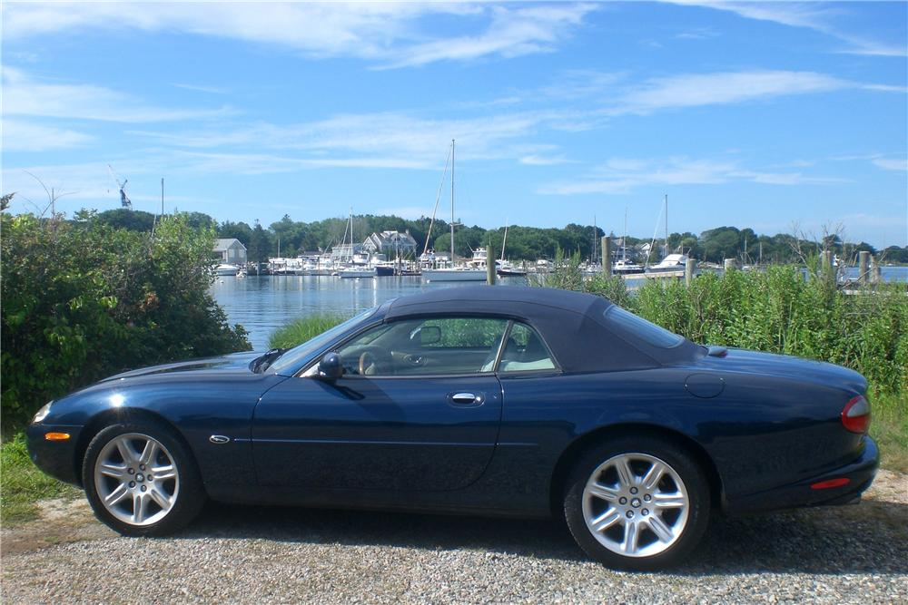 2000 JAGUAR XK 8 CONVERTIBLE - Side Profile - 112833