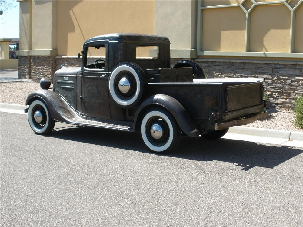 1935 CHEVROLET CUSTOM PICKUP - Rear 3/4 - 112842