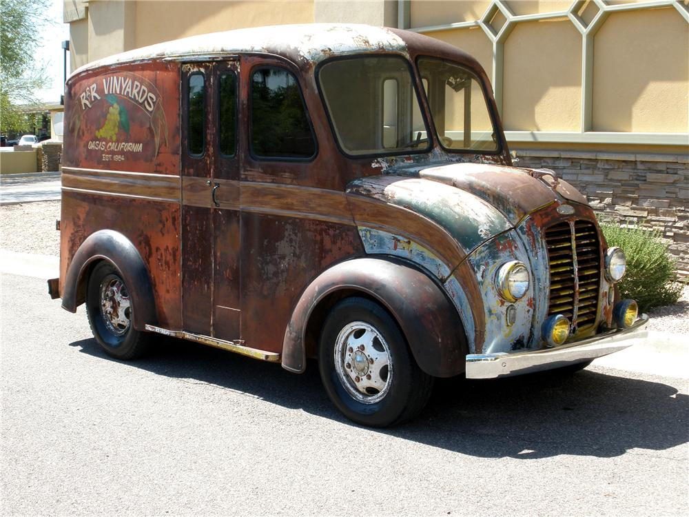 1947 DIVCO CUSTOM TRUCK - Side Profile - 112846