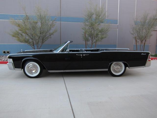 1965 LINCOLN CONTINENTAL 4 DOOR CONVERTIBLE - Side Profile - 112864