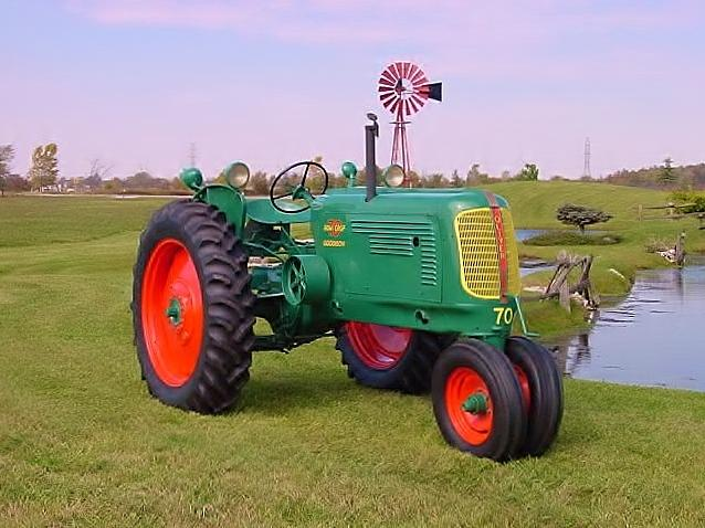1948 OLIVER MODEL 70 TRACTOR - Front 3/4 - 112870