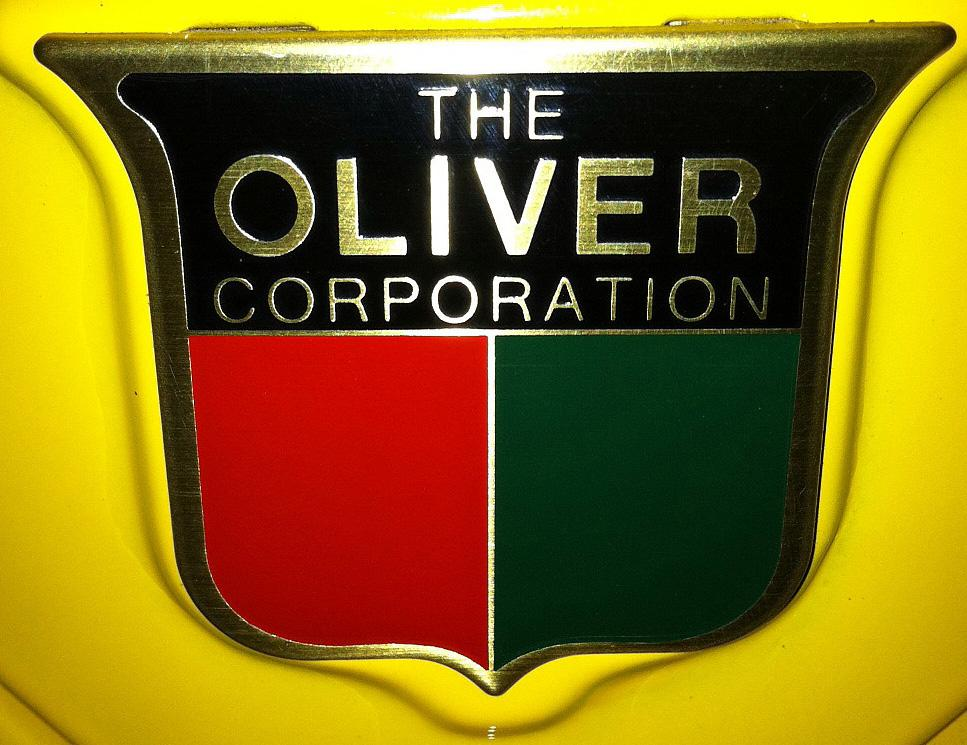 1948 OLIVER MODEL 70 TRACTOR - Front 3/4 - 112871