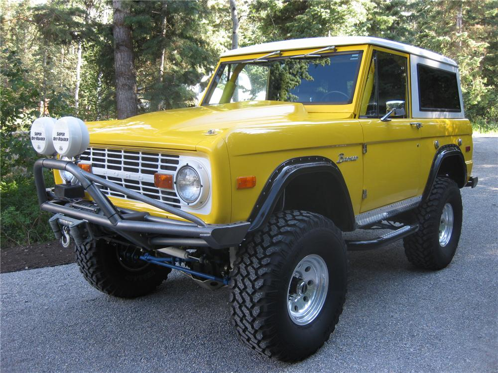 1974 FORD BRONCO CUSTOM SUV - Front 3/4 - 112874