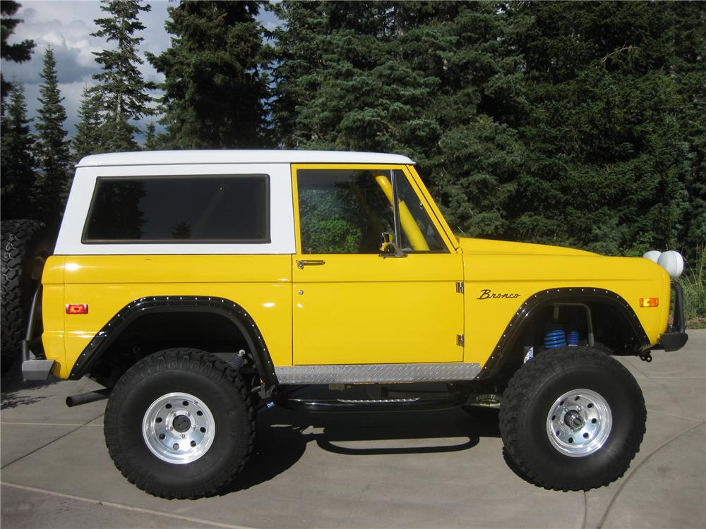 1974 FORD BRONCO CUSTOM SUV - Side Profile - 112874