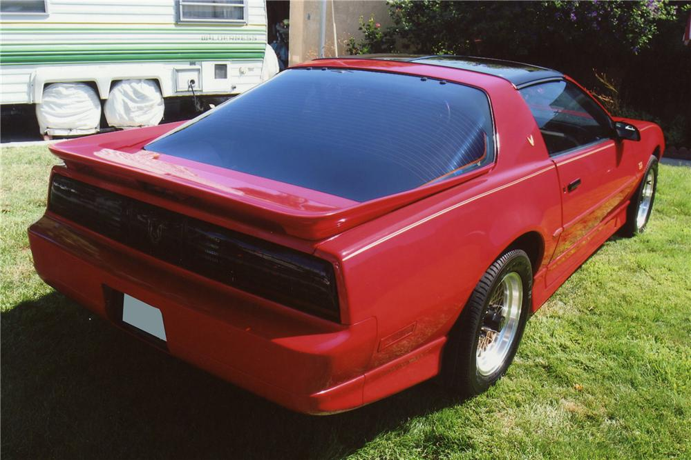1990 PONTIAC FIREBIRD TRANS AM GTA COUPE - Rear 3/4 - 112897