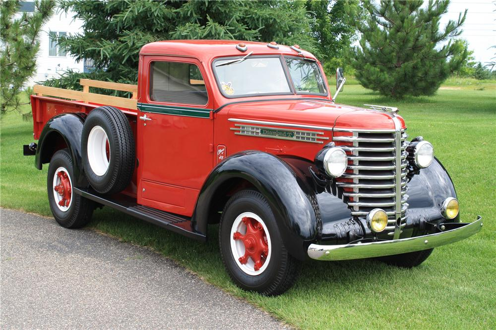 1948 DIAMOND T 201 PICKUP - Front 3/4 - 112902