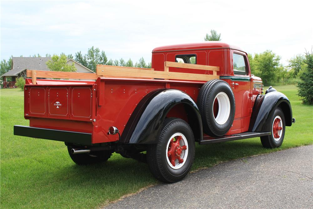 1948 DIAMOND T 201 PICKUP - Rear 3/4 - 112902