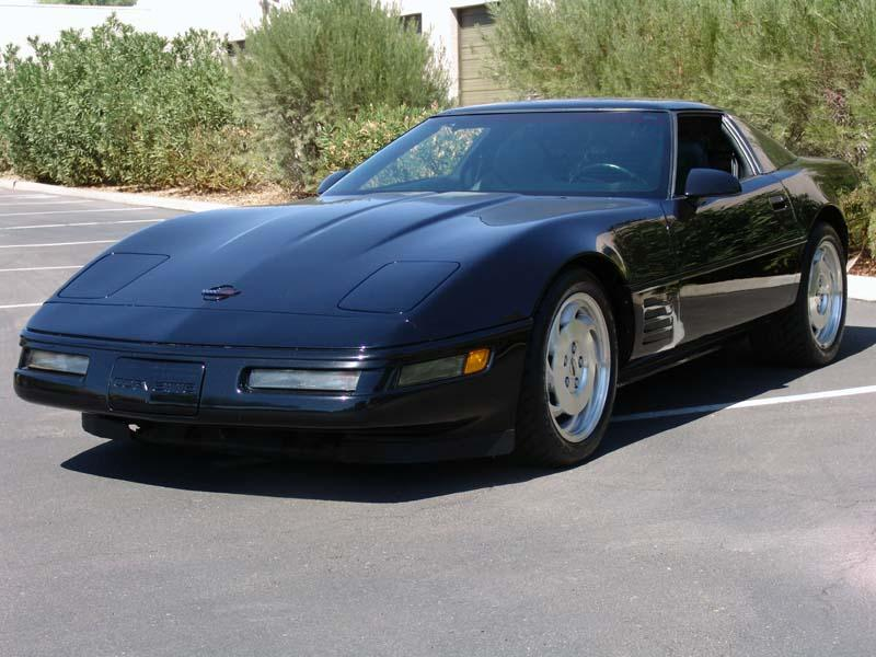 1994 CHEVROLET CORVETTE 2 DOOR COUPE - Front 3/4 - 112904
