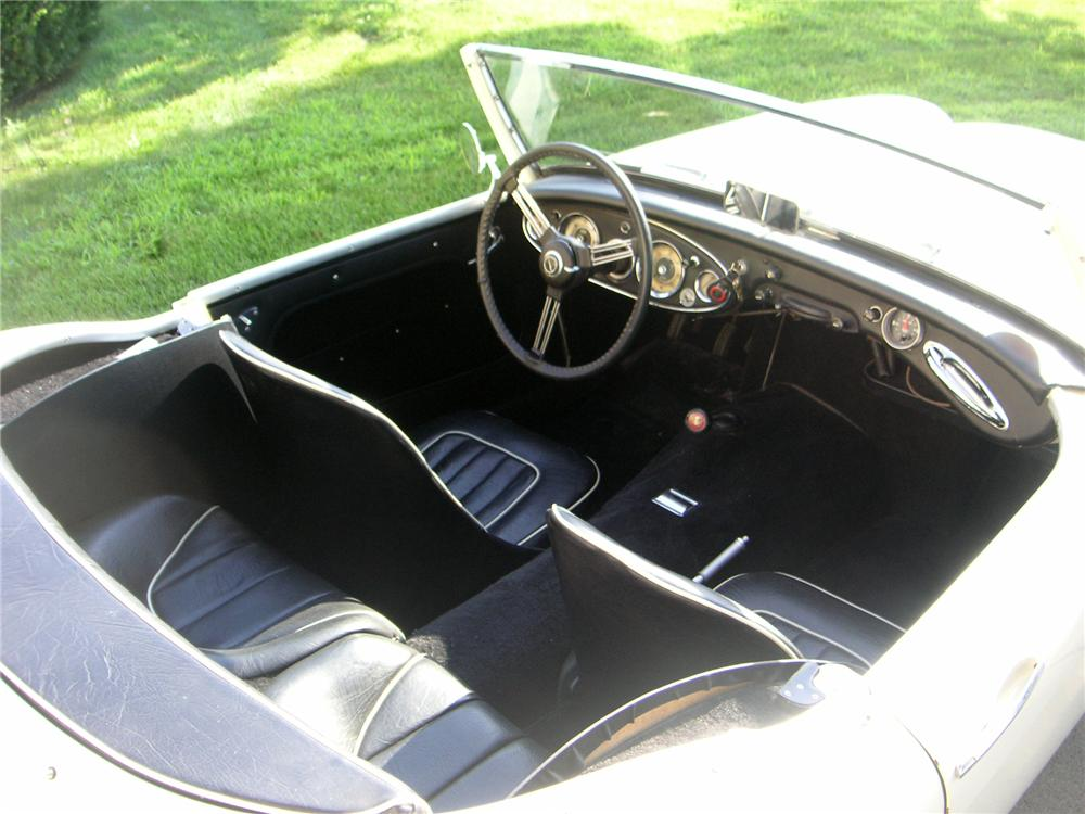 1960 AUSTIN-HEALEY BT7 2 DOOR ROADSTER - Interior - 112906