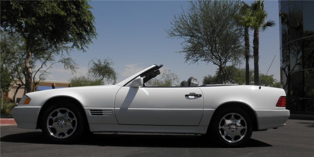 1995 MERCEDES-BENZ SL500 CONVERTIBLE - Side Profile - 112946
