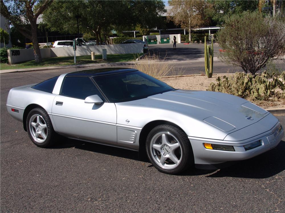 1996 CHEVROLET CORVETTE COLLECTORS EDITION COUPE - Front 3/4 - 112967
