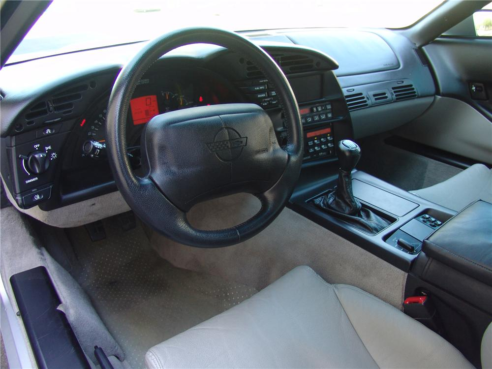 1996 CHEVROLET CORVETTE COLLECTORS EDITION COUPE - Interior - 112967