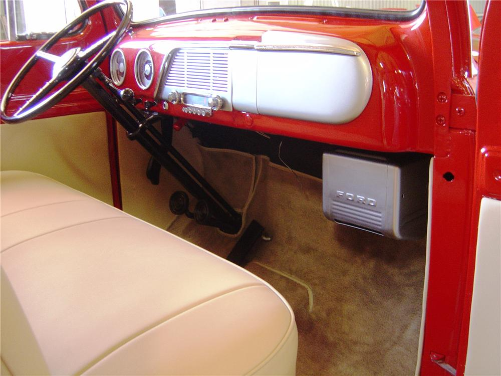 1952 FORD F-100 PICKUP - Interior - 112980