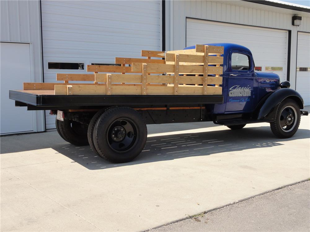 1937 CHEVROLET 1 1/2 TON FLATBED TRUCK - Rear 3/4 - 113068