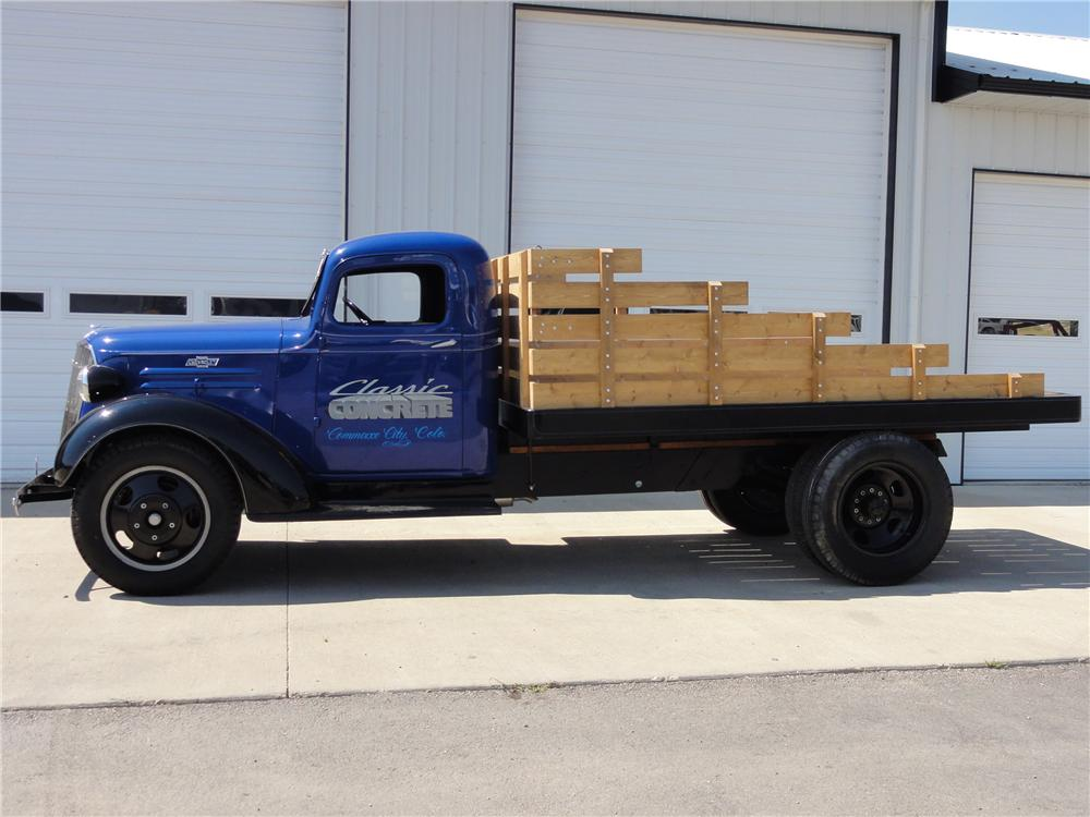 1937 CHEVROLET 1 1/2 TON FLATBED TRUCK - Side Profile - 113068
