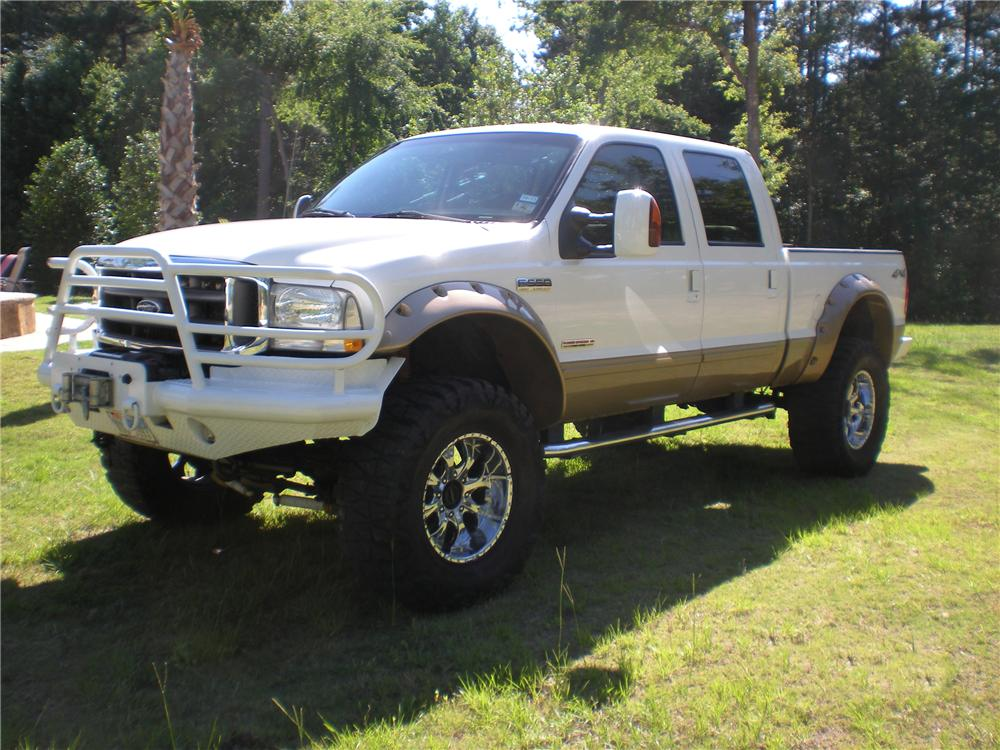 2003 FORD F-250 CUSTOM 4X4 PICKUP - Front 3/4 - 113083