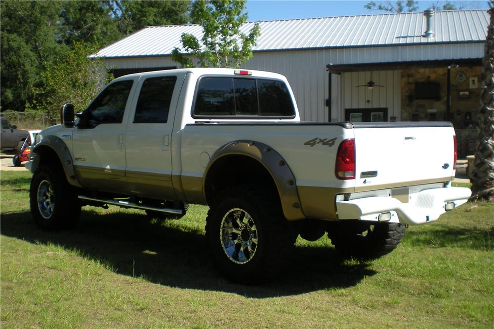 2003 FORD F-250 CUSTOM 4X4 PICKUP - Rear 3/4 - 113083