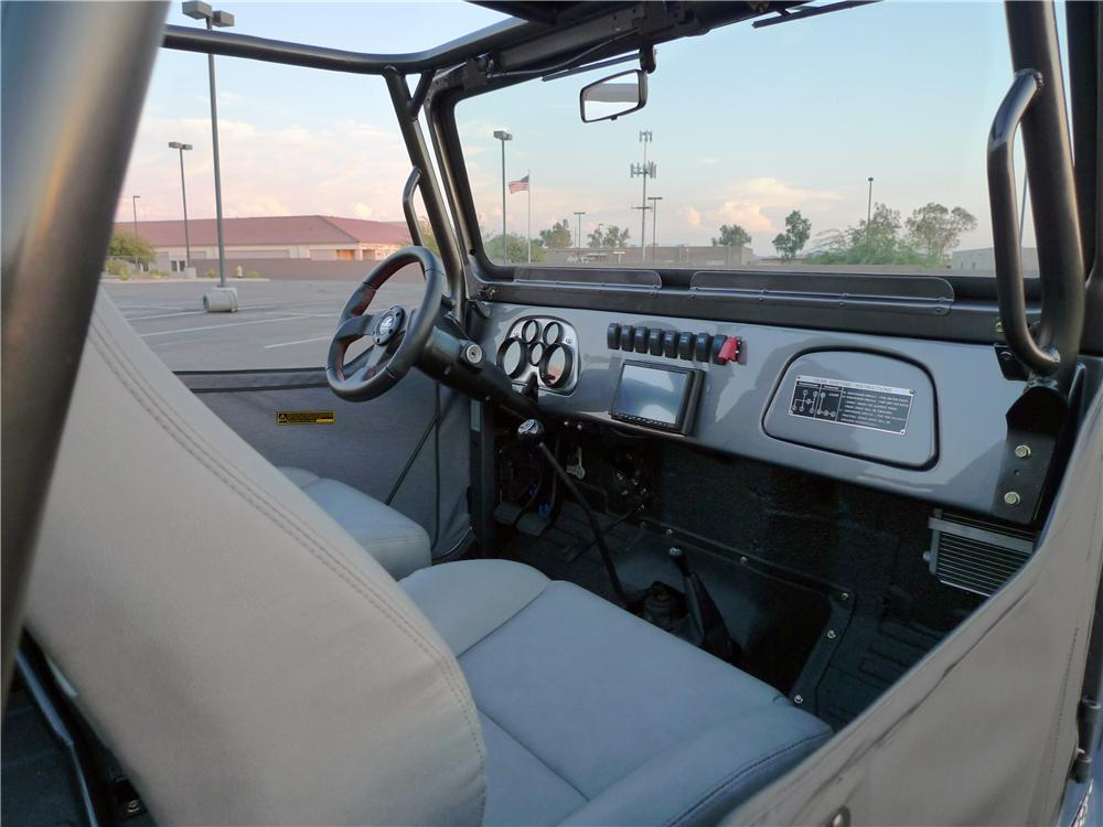 1974 TOYOTA LAND CRUISER FJ-40 CUSTOM SUV - Interior - 113092