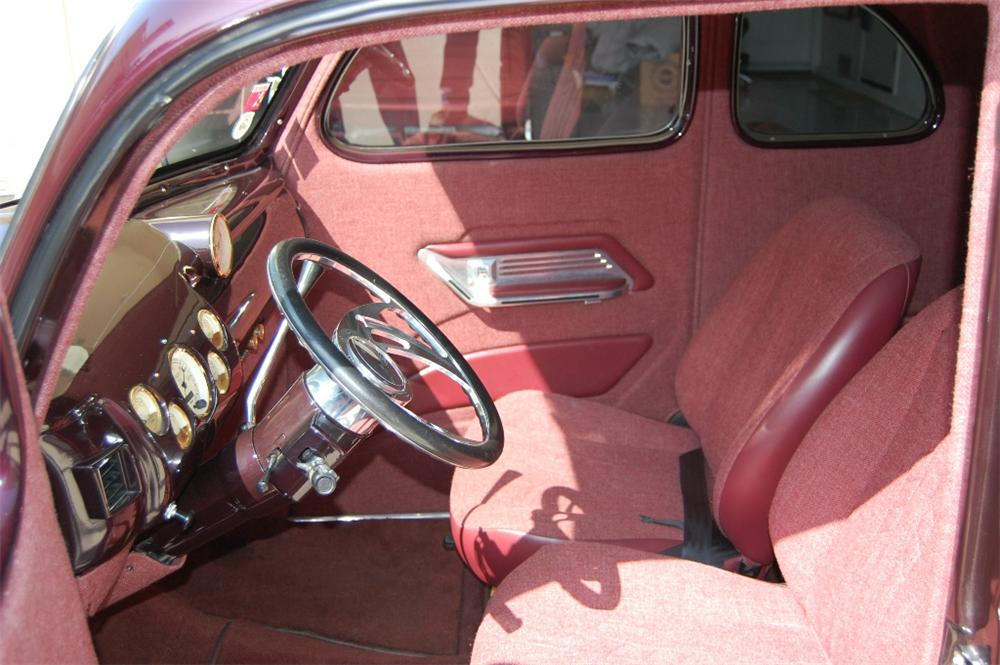 1940 FORD 5 WINDOW CUSTOM COUPE - Interior - 113100