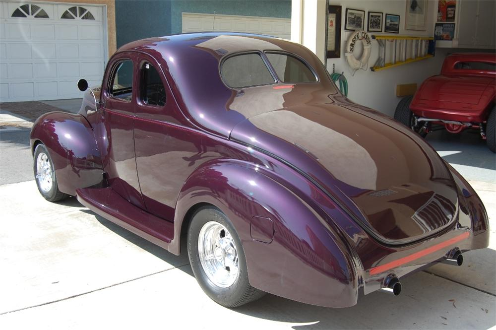1940 FORD 5 WINDOW CUSTOM COUPE - Rear 3/4 - 113100