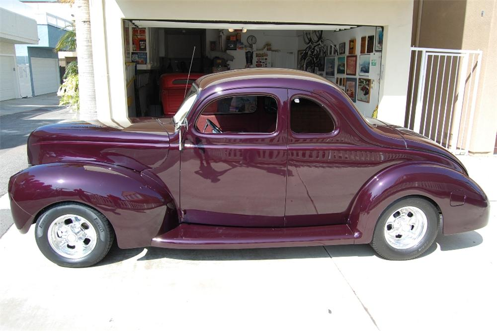 1940 FORD 5 WINDOW CUSTOM COUPE - Side Profile - 113100