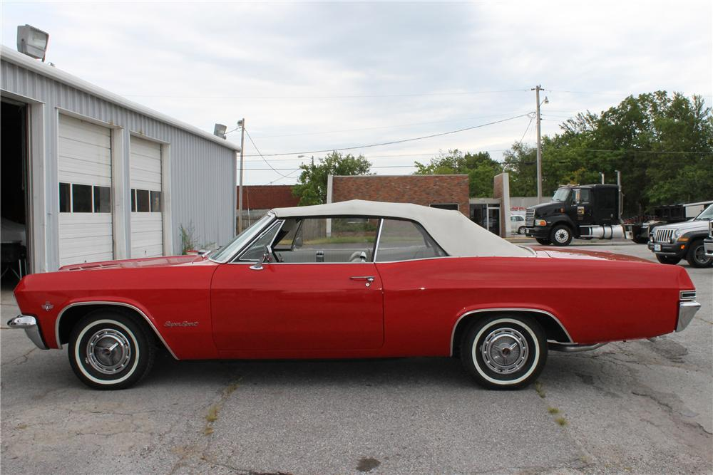 1965 CHEVROLET IMPALA SS CONVERTIBLE - Front 3/4 - 113103