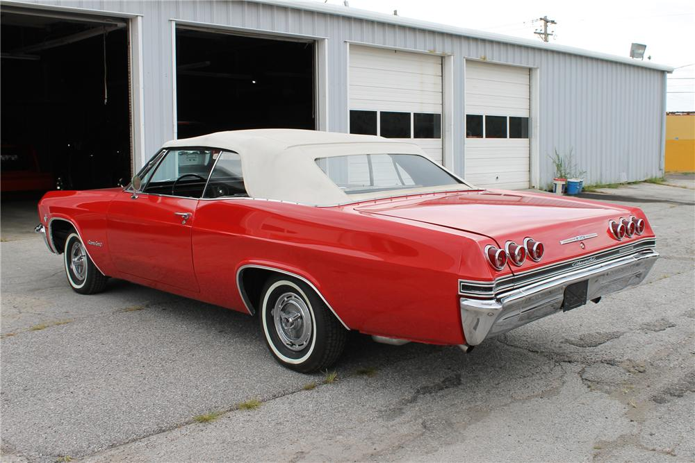 1965 CHEVROLET IMPALA SS CONVERTIBLE - Rear 3/4 - 113103