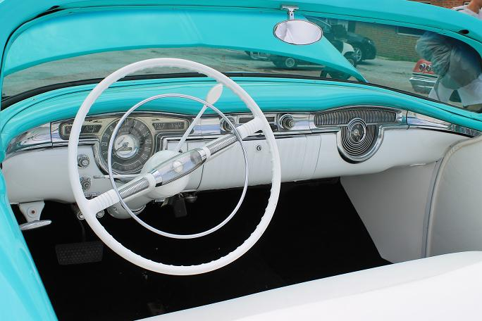 1954 OLDSMOBILE HOLIDAY CUSTOM ROADSTER - Interior - 113104